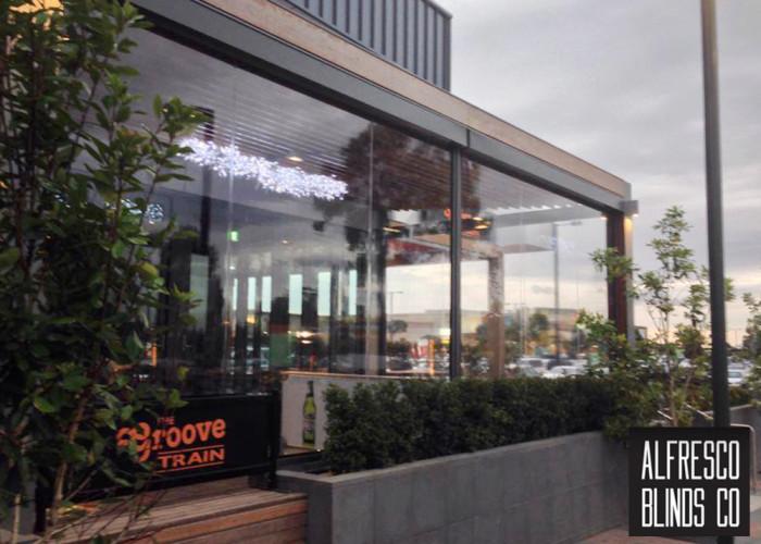 Outdoor blinds for restaurants